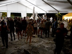 Day 1 dancefloor